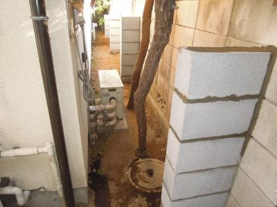 コンクリートブロック塀控え壁.png