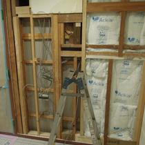 H様邸耐震工事【世田谷区】(2×4(ツーバイフォー)、断熱材充填、外壁補修)